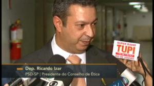 Presidente do Conselho de Ética diz que renúncia não suspende processo contra Andre Vargas