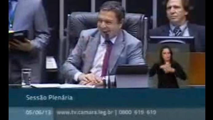 Ricardo Izar faz apelo para criação de políticas públicas para o combate à zoonose