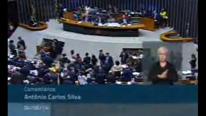 Votação e aprovação PL 6602/2013