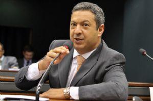 Izar é eleito terceiro vice-presidente da Comissão de Defesa do Consumidor