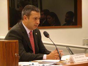 Jornal Nacional: Deputado licenciado André Vargas não renuncia ao mandato