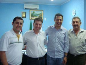 Deputado Ricardo Izar visita Quintana no dia 22/12/11.