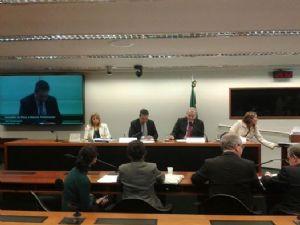 OGlobo: Relator lamenta ausência de André Vargas no Conselho de Ética