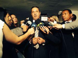 Terra: Vargas abandona sessão e acusa relator de atropelar defesa