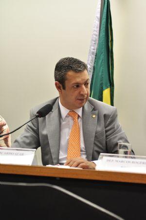 Ricardo Izar é eleito presidente da CPI dos maus-tratos a animais