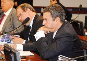 Parecer de Ricardo Izar impõe regras para recall de veículos