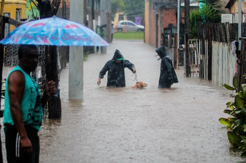 Proximidade do verão aciona alerta para desastres naturais.