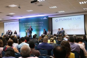 Turismo lança nova linha de crédito com R$ 450 milhões para obras e equipamentos