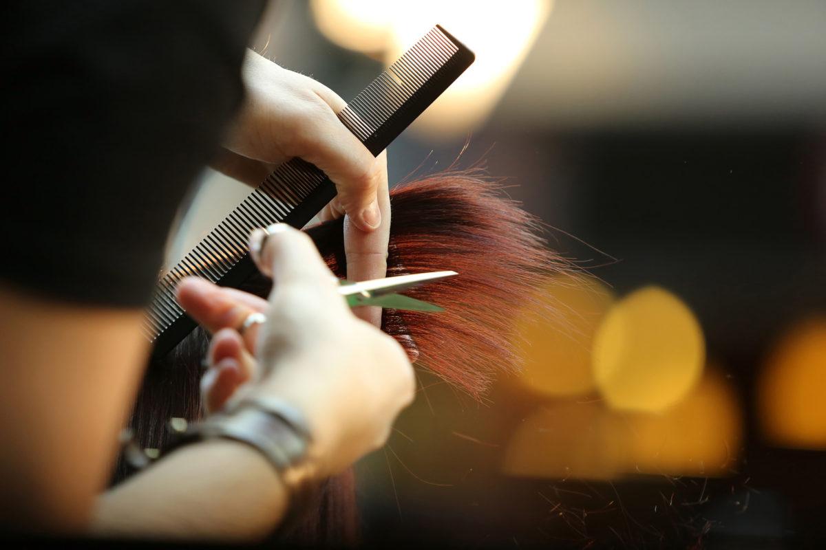 A regulamentação dos serviços prestados em salão de beleza ajudou a formalizar um setor inteiro