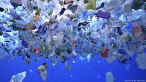 BBOPqbE 300x169 - União Europeia avança para banir plástico descartável